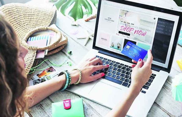 4 Online Shopping Tips to Ensure Accuracy of the Clothes You Order